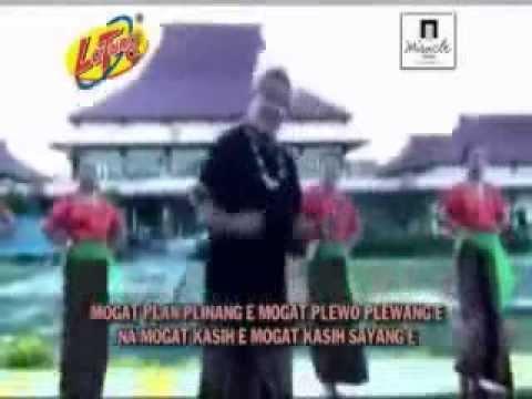 Alfred Gare   Plewo Plewan  Official Video