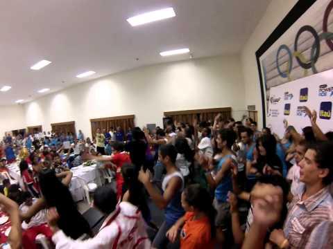 Step dance colectivo improvisado en final de premiación del Sudamericano de cross Asunción 2014