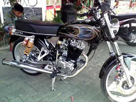 Modifikasi MOTOR CB 100 AIRBRUSH HITAM SIMPEL & CROM ( ELEGAN TAMPILANNYA ) TERBARU