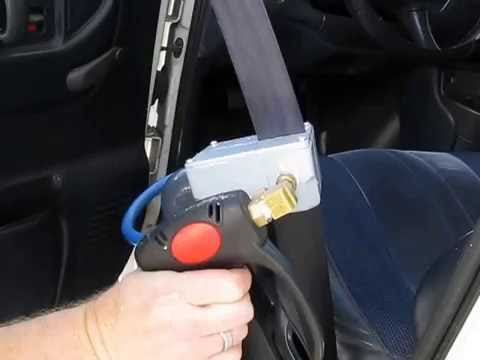 Clean Storm seat belt cleaning tool test 2