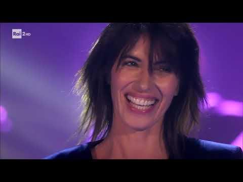 Giorgia canta 'Scelgo ancora te' - Stasera CasaMika 14/11/2017
