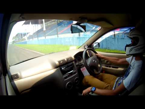 drag race D2 sentul circuit toyota avanza 17.407 second, on board camera