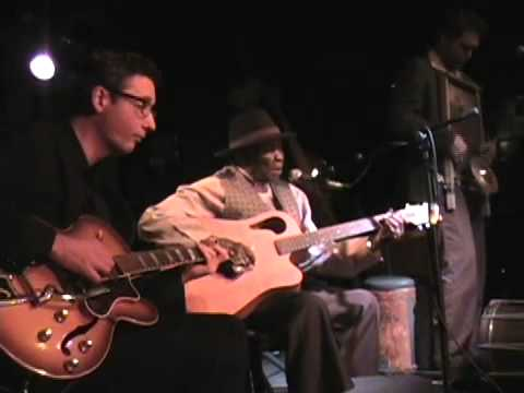 Honeyboy Edwards With Devil in a Woodpile -- Catfish