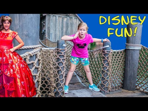 DISNEY ADVENTURE Assistant Spooky Dance Party with Elena of Avalor Goofy and Mickey Mouse Funny Vide