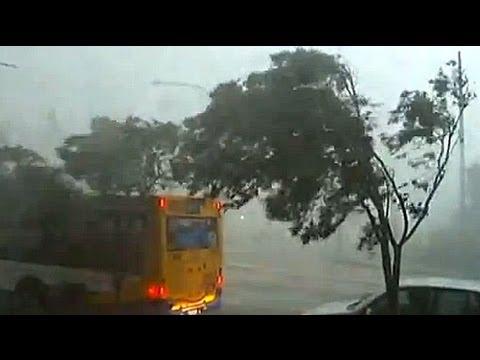 Severe storm batters Australia