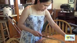 Ăn bánh bò nướng làm tại nhà ở Mỹ