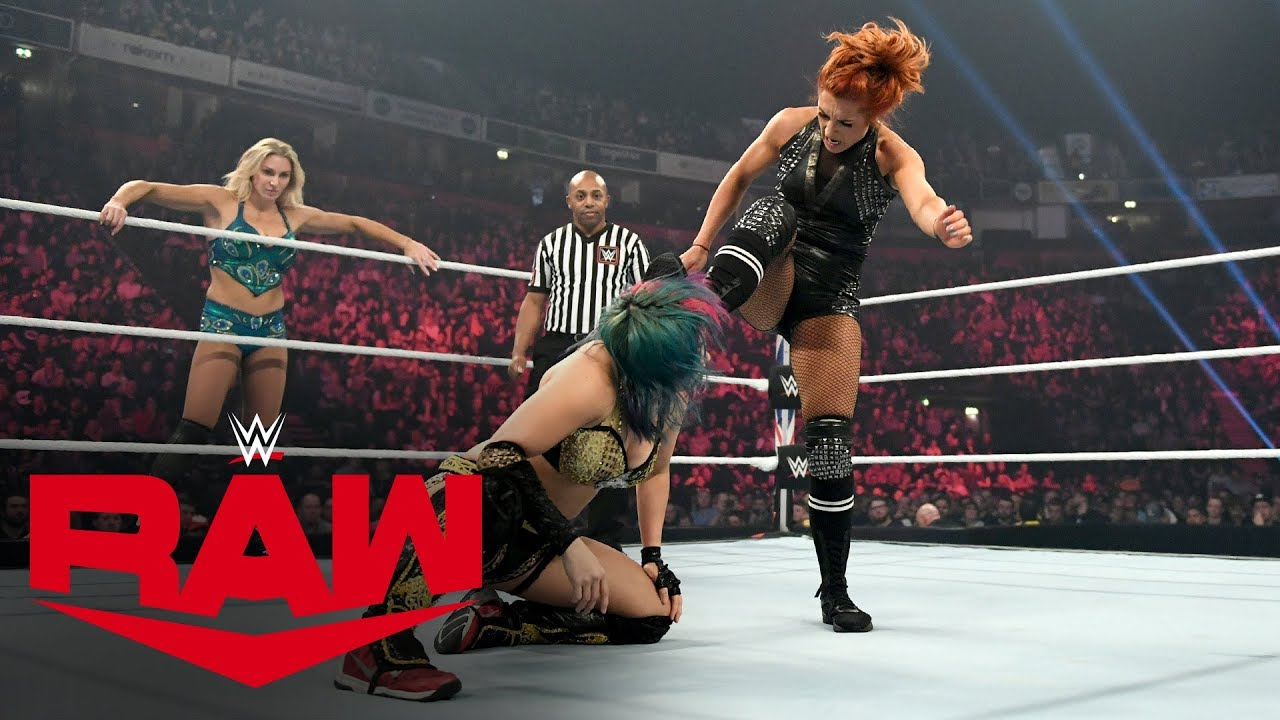 Becky Lynch & Charlotte Flair vs. Kabuki Warriors - WWE Women's Tag Title Match: Raw, Nov.