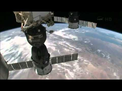 NASA CGI moon hoax - cgi station - cgi earth -