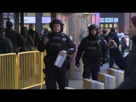 Live: New York police respondi manhattan