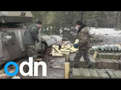 Ukraine television shows government troops firing self-propelled guns