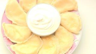 ВАРЕНИКИ  с творогом  Простой рецепт от VIKKAvideo(Готовим сладкие вареники с творогом. Предлагаю Вам несложный рецепт приготовления вкусных вареников...., 2013-04-04T10:36:42.000Z)