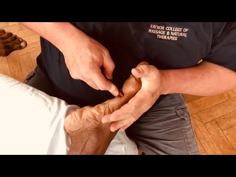 Foot Massage For Bunions. Brandon Raynor Massaging Alpha During An Advanced Raynor Massage Course P3