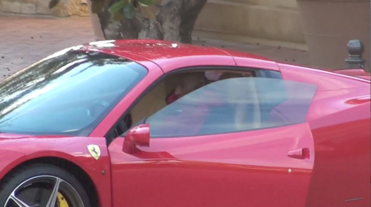 Kobe Bryant Cars >> Kobe Bryant Driving Ferrari Back To His House At The Private Pelican Hill Resort - YouTube