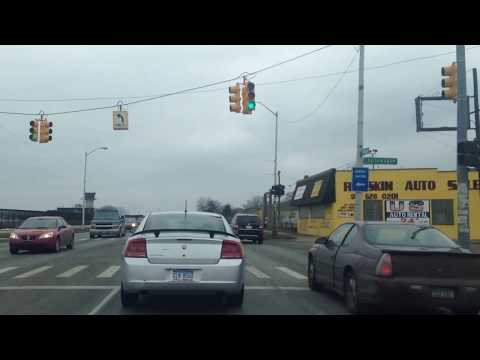 Driving from Grosse Pointe, Michigan to Detroit, Michigan