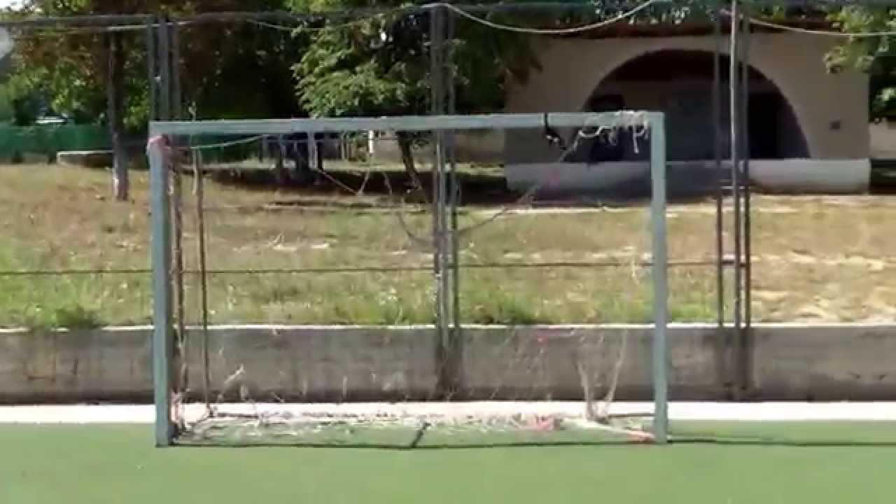 Poarta ucigașă continuă să cadă pe stadion la Porumbeni