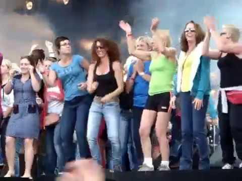 De Kreuners - Ik Dans Wel Met Mezelf - Werchter Classic 2012