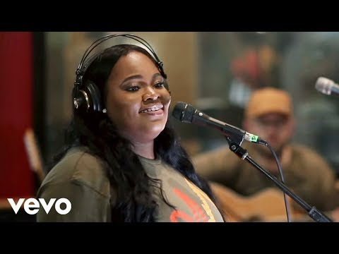 tasha-cobbs-leonard---gracefully-broken