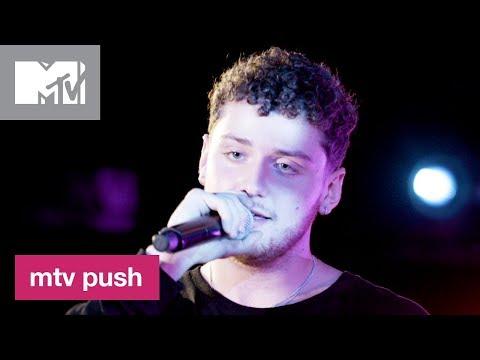 Bazzi Performs 'Dreams' 🎶 (Live Performance) | MTV Push