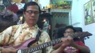 Phượng Hồng   thử guitar phím  lõm