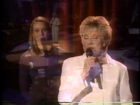 Anne Murray - In The Garden (Live)