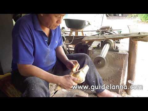 แกะสลักช้างขั้นเทพพี่เค้าเก่งเวอร์ ช่างแกะสลักไม้ Amazing wood carving Thailand Lampoon
