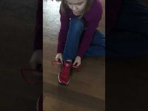 Simple way to tie shoes