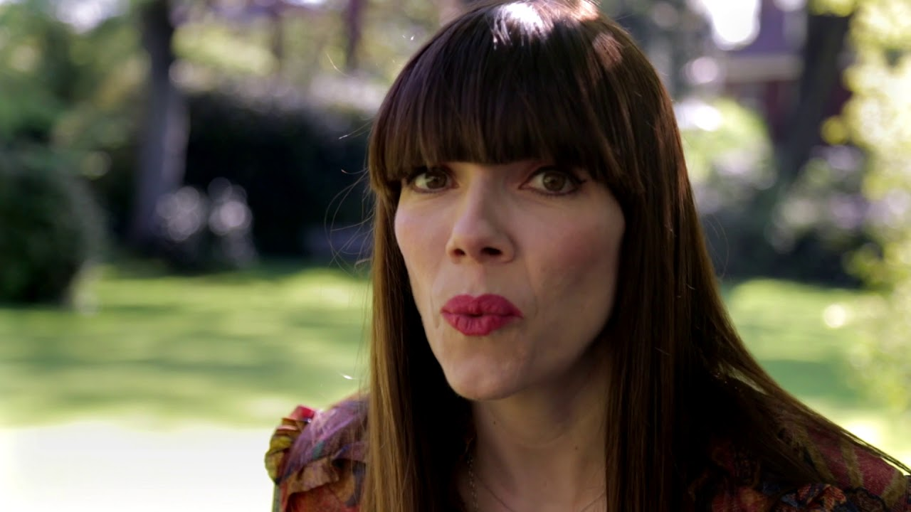 kate morton  Kate Morton introduces The Clockmaker's Daughter - YouTube