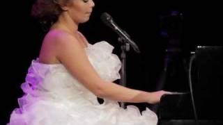 Linda Leen - LOVE FICTION (LIVE @ Daile