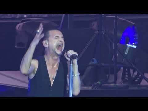 Depeche Mode - Useless Live Berlin