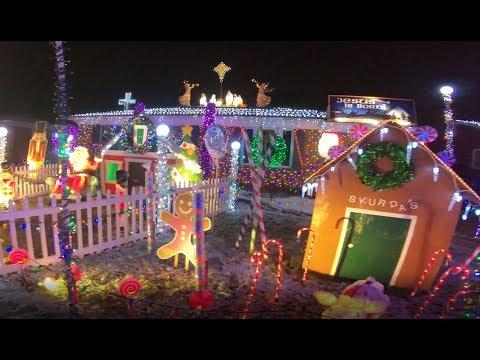 Eiffel Street Warren Mi Christmas Lights 2020 Extreme Christmas Lights Warren Michigan Walkthrough   YouTube