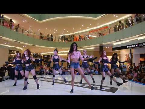 S-Queen (Star Queen) - How's This + Roll Deep Hyuna Cover @ Danceeuphoria Ciputra World Surabaya