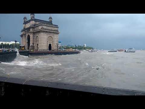 High tide in Mumbai   Marine lines   Mumbai heavy rains 29 August 2017   View from Gateway of India