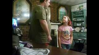 Download Video 9 year old Jenny meets her daddy for the first time!!! MP3 3GP MP4