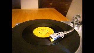 Desmond Dekker - Sing A Little Song - Reggae - 45 rpm
