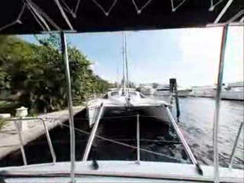 Catamarans.com: Panoramic Tour of a Lagoon 380-S2