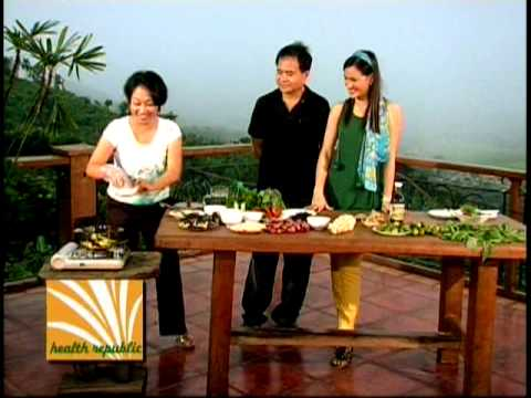 Cooking with Eileen Baylon @ health republic (Vegan Paksiw)