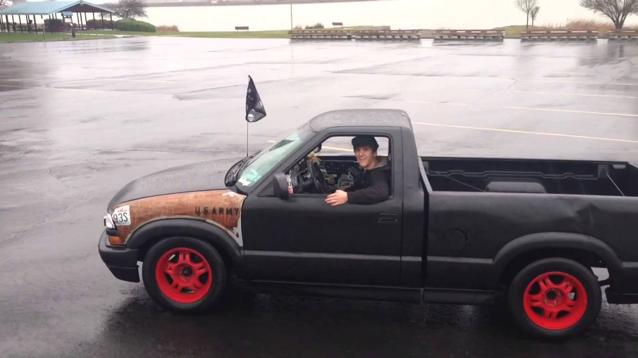 Repeat Chevy S10 Rain Drift Session by Smorz Productions - You2Repeat