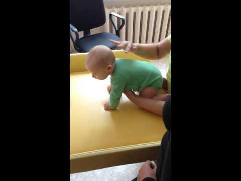 2-месячный ребенок: режим дня. Развитие 2-х месячного ребенка