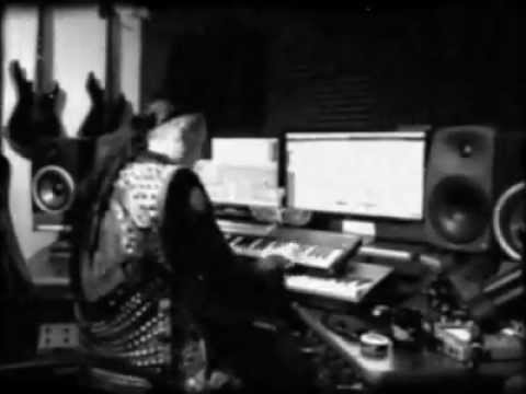(Dimmu Borgir) Shagrath playing piano in studio