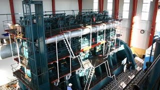 The world's largest diesel engine - double acting two stroke engine