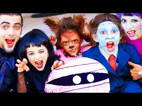 Hotel Transylvania 3 Family Move Night! | Halloween Makeup and Costumes