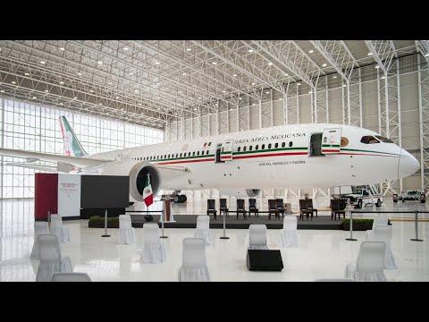 Conferencia en avión presidencial. Presidente AMLO