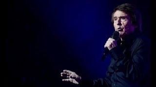 """Raphael con """"Loco por cantar"""" en el Gran Canaria Arena. 12/10/21018..."""