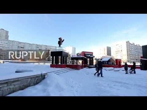 Russia: Minecraft monument of Lenin opens in Krasnoyarsk