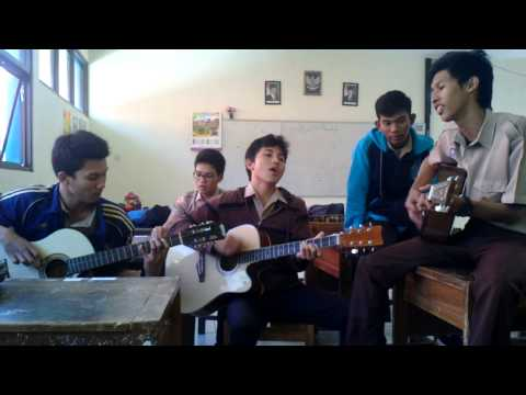 Cozy republik - Hitam putih (cover version)