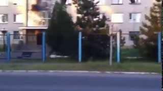 03.11.2014 Ужас!!! Каратели ради забавы расстреляли в упор здание в Лутугино, ЛНР
