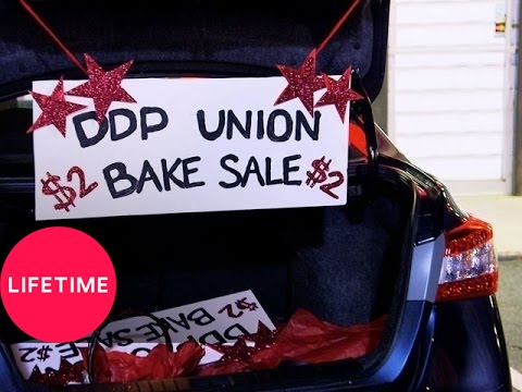 Bring It!: The Moms Hold a Secret Bake Sale (S1, E16) | Lifetime