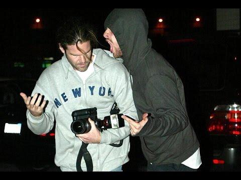 Chris Martin attacks paparazzi - YouTube