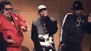 Gambar cover Old School Rappers and Eminem on SNL (2000)