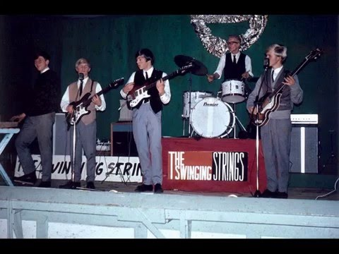 The Swinging Strings Live (1965):